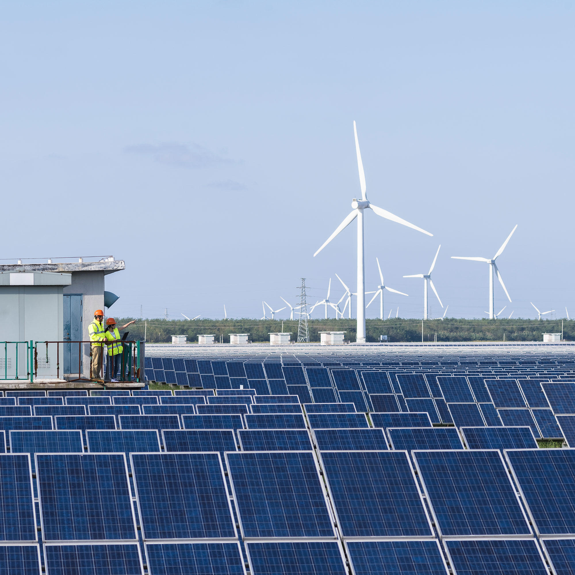 energy_wechselrichter_solar_windkraft_gettyimages-522921291_2000x2000.jpg
